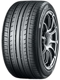YOKOHAMA BLUEARTH-ES ES-32 235/45 R 17